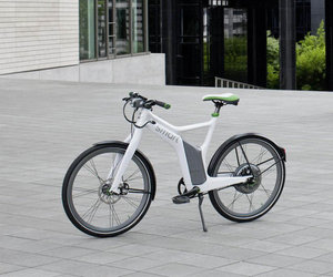 Daimler-smart-e-bike-is-a-power-packed-bicycle-m