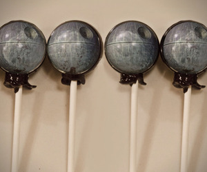 Death-star-lollipops-m
