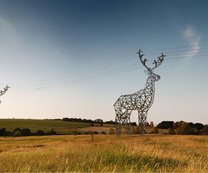 Deer-shaped-hydro-towers-by-designdepot-m