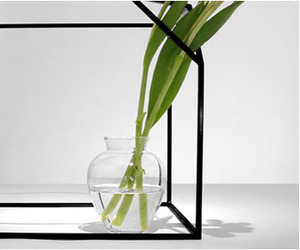 Designfenzider-ron-gilad-clipped-cube-vase-m