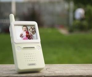 Digital-wireless-video-baby-monitor-by-levana-m