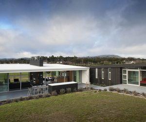 Dixon-house-by-design-group-stapleton-elliott-2-m