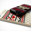 Diy-cross-stitched-iphone-5-cases-s