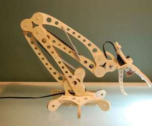 Diy-wooden-led-desk-lamp-looks-crazy-m