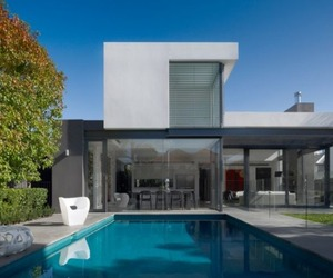 Downshire-road-house-by-mim-design-m