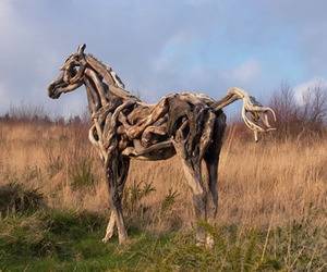 Driftwood-horse-sculptures-by-heather-jansch-m
