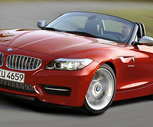 Driving with the Top Down in BMWs Z4 sDrive35is