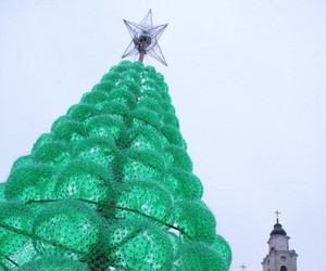 Eco-friendly-christmas-tree-made-from-recycled-bottles-m