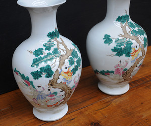 Elemental-pair-of-baloon-vases-m