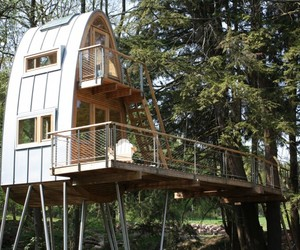 Elevated-treehouse-in-germany-m