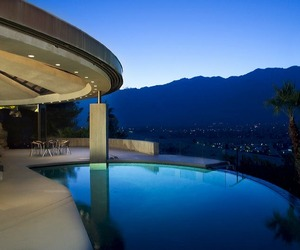 Elrod-house-by-john-lautner-2-m