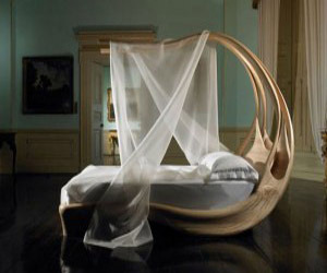 Enignum-canopy-bed-for-royal-dreaming-m