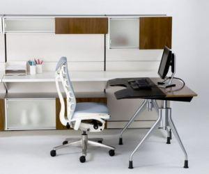 Ergonimic-and-adjustable-desk-m