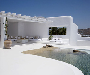 Escape-to-tropical-luxury-in-mykonos-m
