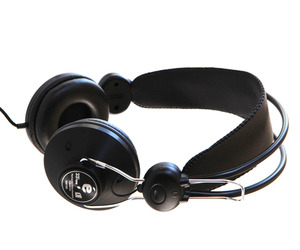 Eskuche-33-13-on-ear-headphones-m