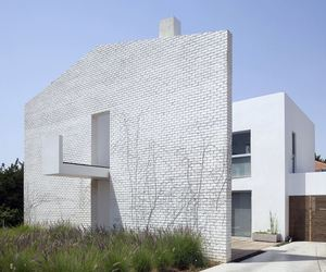 Even Yehuda House by Sharon Neuman & Oded Stern-Meiraz
