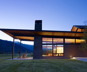 Extraordinary-home-immersed-in-the-mountains-m