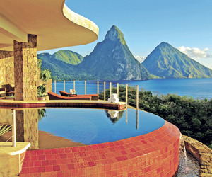 Extravagant-island-retreat-with-breathtaking-views-m