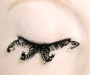 Eye-candy-intricate-paper-art-eyelashes-from-paperself-m