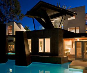 Famed-gehry-designed-residence-on-market-m