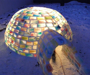 Family-builds-amazing-rainbow-igloo-in-backyard-m