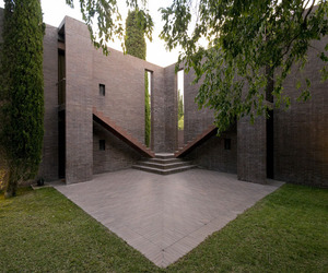 Family-house-at-the-empord-by-ricardo-bofill-m