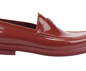 Fashion-flash-yves-saint-laurents-waterproof-loafers-m