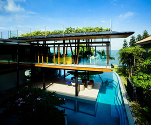 Fish-house-eco-friendly-seaside-residence-m