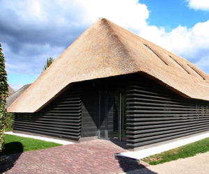 Flemish-barn-bolberg-by-arend-groenewegen-architect-m