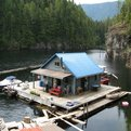 Float-cabin-living-463-s