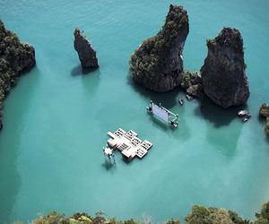 Floating-cinema-thailand-m