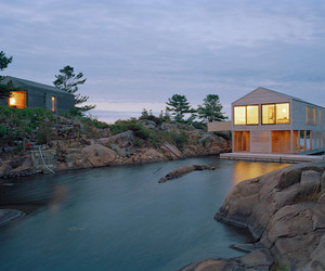 Floating-house-on-an-island-on-lake-huron-m