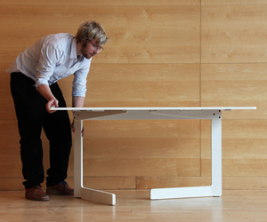 Foldable-table-by-akka-se-at-the-greenhouse-m