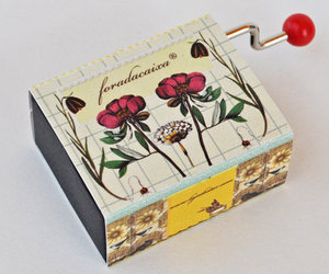 foradacaixa® music box