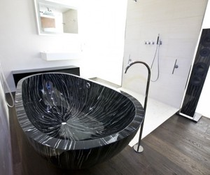 Freestanding-bathtubs-by-sasso-m
