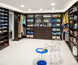 French-roast-walk-in-closet-m
