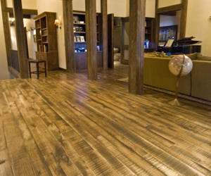 Fsc-hickory-floor-with-fullsawntm-texture-m