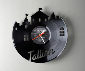 Funky-wall-clock-by-pavel-sidorenko-m