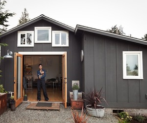 Garage-micro-house-by-michelle-de-la-vega-m