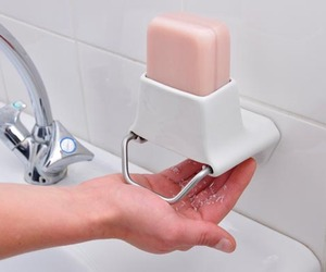 Genius-soap-dispenser-2-m