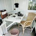 George-bernard-shaws-writing-hut-997-s