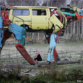 Gigantic-cow-sculptures-made-from-recycled-car-parts-s