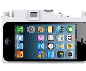 Gizmon-converts-your-iphone-into-a-camera-m