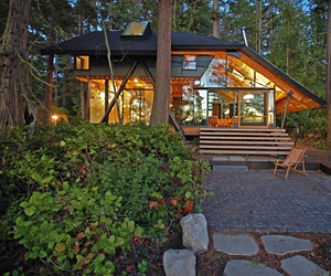 Glass-cabin-in-laconner-washington-m