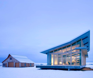 Glass-farmhouse-by-olson-kundig-architects-m