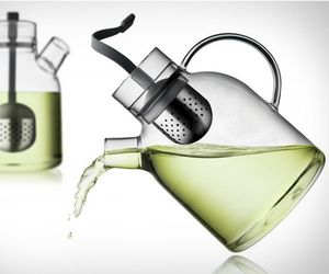 Glass-kettle-teapot-by-menu-m