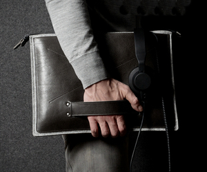 Grab Laptop Folio, by Hard Graft