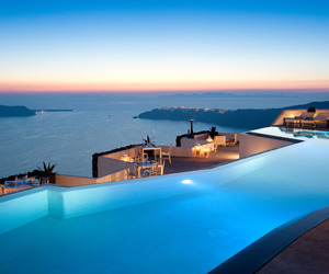Grace-santorini-hotel-by-divercity-and-mplusm-architects-m