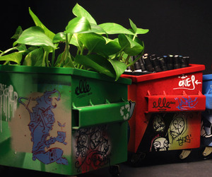 Graffiti-decorated-desktop-dumpsters-2-m