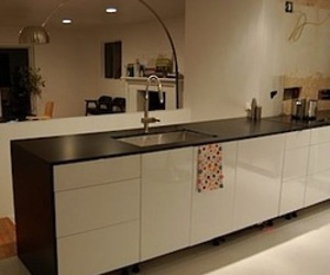 Grassroots-moderns-trespa-top-lab-plus-countertops-m
